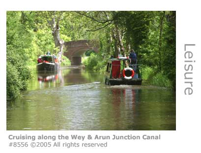 CRUISING ALONG THE WEY AND ARUN JUNCTION CANAL