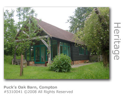 Puck's Oak Barn, Compton